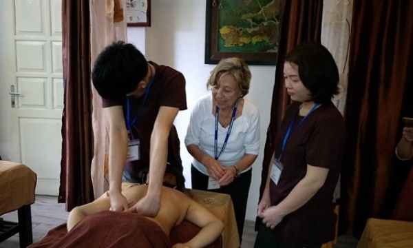 Massage Training For Blind2